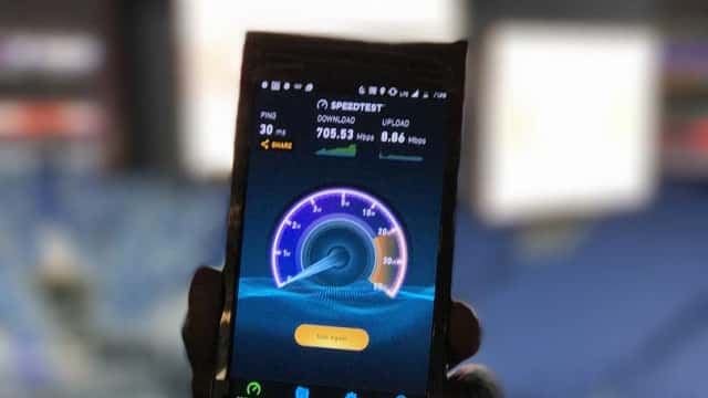 Sprint shows off Gigabit LTE at basketball game